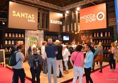 De combinatiestand van Santas Koffie, Earth Concepts en Mocca d'Or.